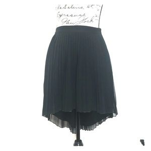 American Eagle Outfitter Black Pleated Hi-Lo Skirt